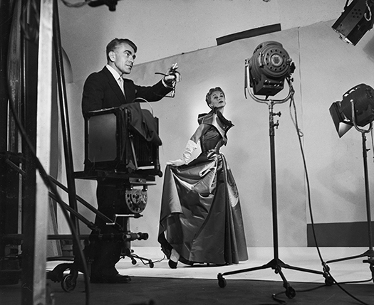 Horst directing fashion shoot with Lisa Fonssagrives (1949). Photo by Roy Stevens, Time Life Pictures Getty Images