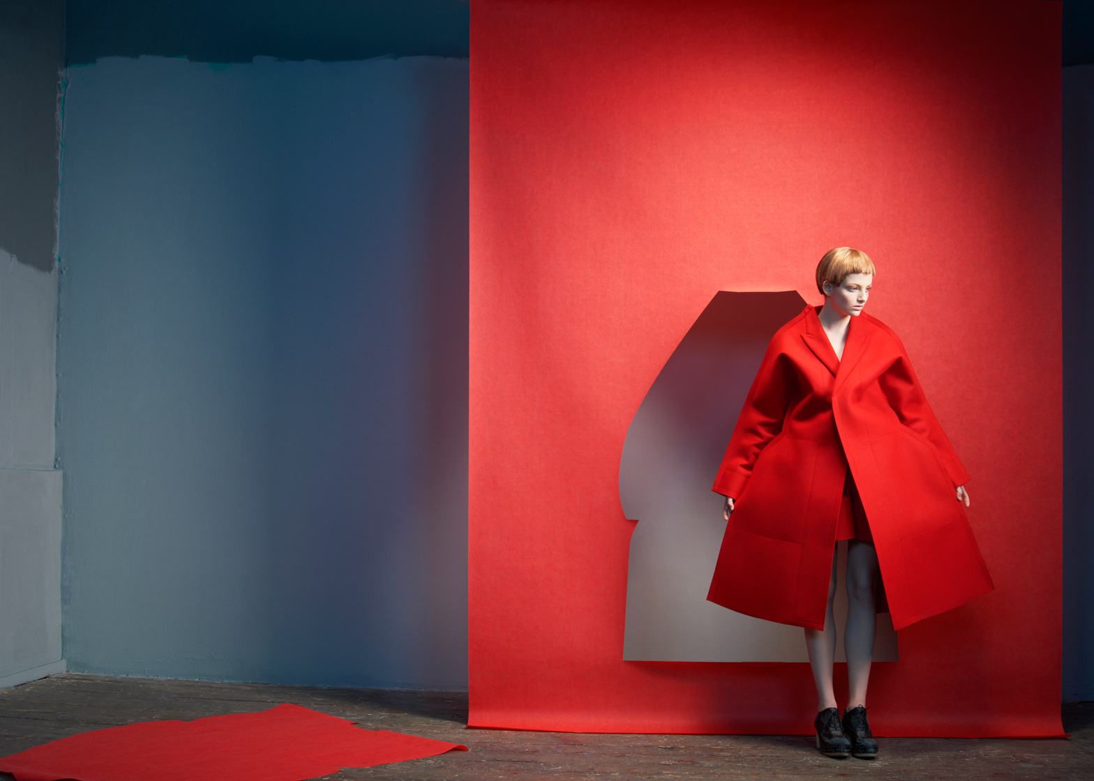 game-changers-reinventing-the-20th-century-silhouette-momu-antwerp_dezeen_ban