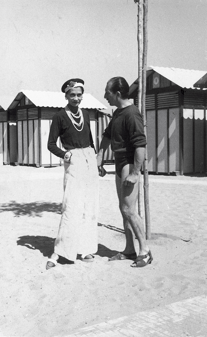 Fashion designer Coco Chanel with Duke Laurino of Rome on beach at the Lido. Source: Time Life Pictures/Pictures Inc./The LIFE Picture Collection/Getty Image