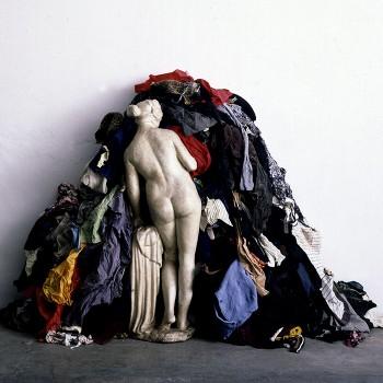Kimsooja, Mumbai A Laundry Field, ProductionStill, 2007. Courtesy Galleria Raffaella Cortese